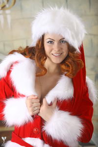 http://img151.imagevenue.com/loc175/th_531773778_silver_angels_Sandrinya_I_Christmas_1_123_123_175lo.jpg