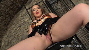Glove Mansion: Latex gloves jerk-off countdown