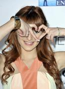 http://img151.imagevenue.com/loc566/th_177894279_BellaThorne_TheVow_HollywoodPremiere_32_122_566lo.jpg