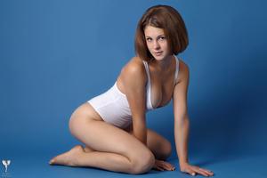 http://img151.imagevenue.com/loc57/th_364964669_tduid300163_silver_angels_Sandrinya_I_whiteswimwear_1_032_122_57lo.jpg
