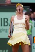 http://img151.imagevenue.com/loc90/th_45805_Maria_Sharapova_FO_2011_2nd_round_26_122_90lo.JPG